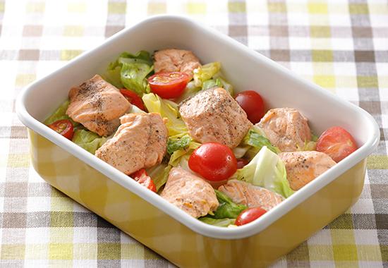 銀鮭とキャベツの炒めサラダ