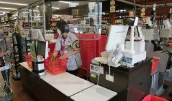 アイヌ文様入り北海道日本ハムファイターズのユニフォームを着てウポポイをPR!