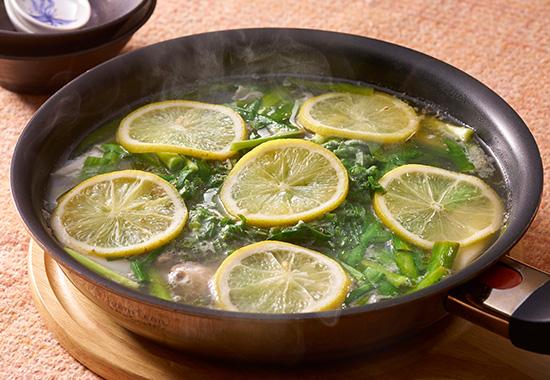 ニラとねぎの塩レモン鍋